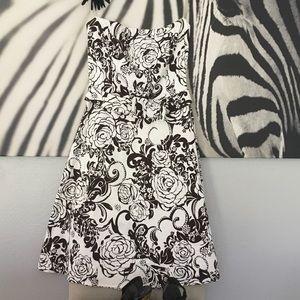 Dresses & Skirts - Strapless dress Sz 10